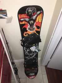 Pelican Snowboard with bindings Burlington, L7R 3K1