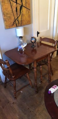 Drop Leaf Table with Two Chairs 41 km