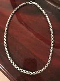 Chain necklace, snake like intertwined design links, really nice and chunky. Solid feel. Not for the thin necked type Toronto, M6P 4H9