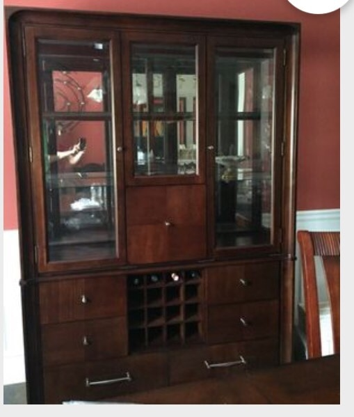 Charmant Brown Wooden Clear Glass China Cabinet