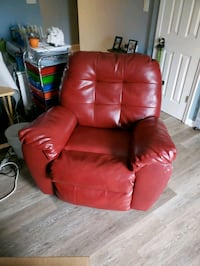 Red Recliner Edgewood, 21040