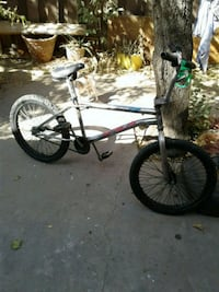 white and black BMX bike Bakersfield, 93313
