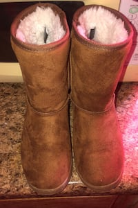 Coffee boots size 6