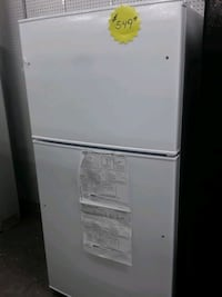 New ge top on bottom refrigerator white  Elkridge, 21075