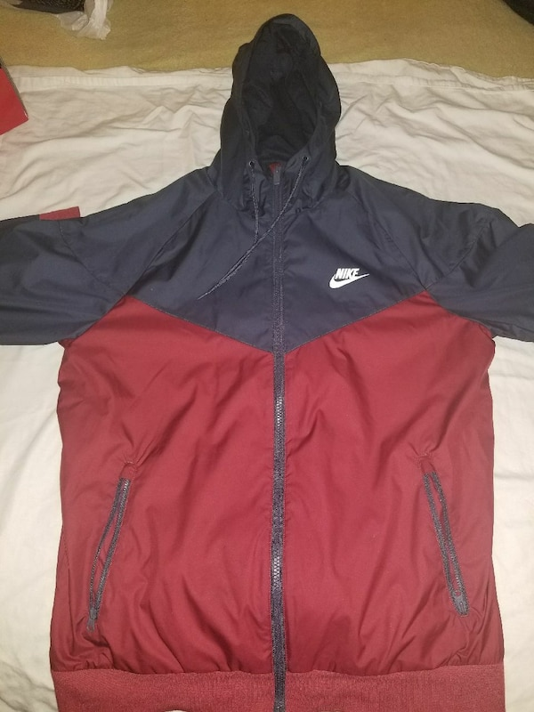 39bb6e2c0b4cb4 Used red and red Nike windbreaker jacket for sale in Aurora - letgo