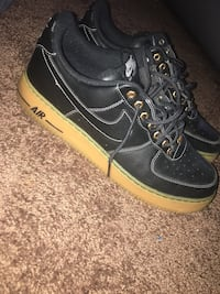 pair of black-and-green Nike sneakers Lithonia, 30038