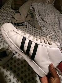 Adidas shoes size 10.5 Kenner, 70062