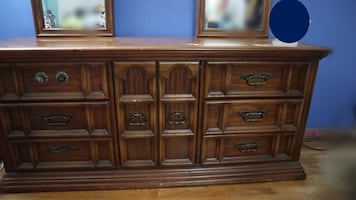 Real Wood Dresser with detachable mirrors