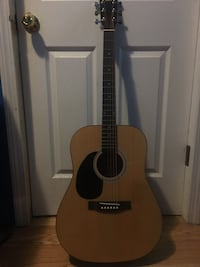 Rogue brand acoustic guitar  Chicago, 60651