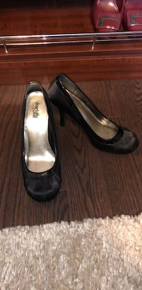 Brand new Charlotte Russe size 8 black heels Mississauga, L5M 1C2
