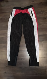 Hollywood boutique windbreaker track pant - size L