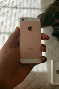rose gold iPhone 5 se  Raleigh, 27612