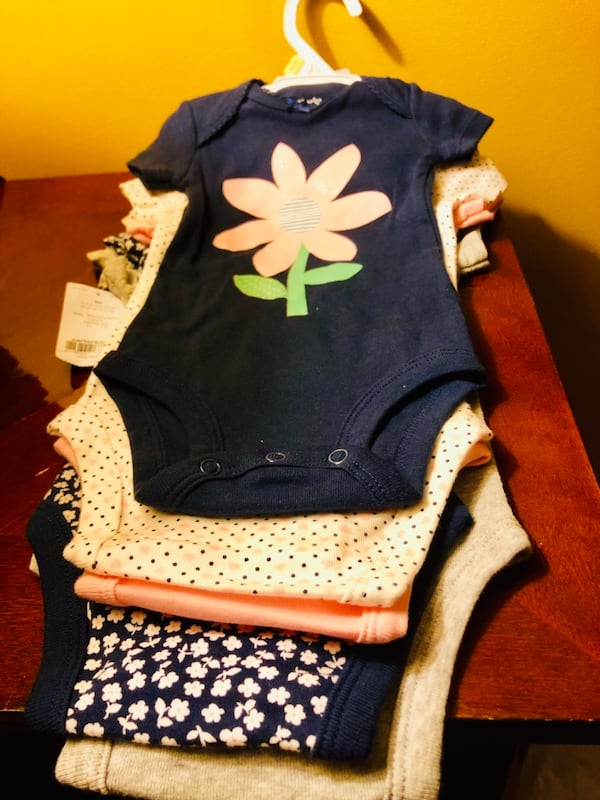 New Carters 3M baby 5 pieces girl Onesies d38540c7-fc48-4dac-8eb3-9c7d9c07dd41