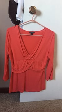 Coral deep v 3/4 cami.. West Lincoln