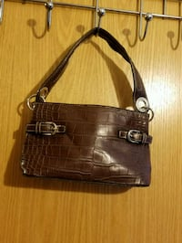 Tommy Hilfiger Leather Purse Practically New.