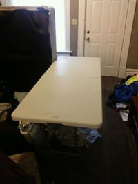 5ft plastic table  Columbus, 43202
