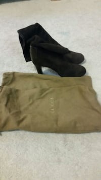 pair of brown suede boots Mississauga, L4Z 3E9