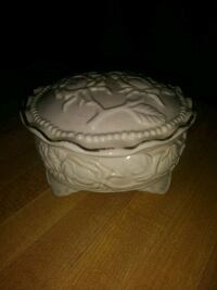 Vintage Porcelain Powder Trinket Box