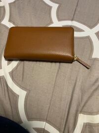 Long Tory Burch wallet East Providence, 02914
