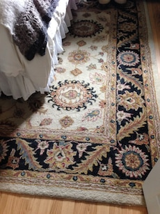 Area rug approx 5x7 good condition