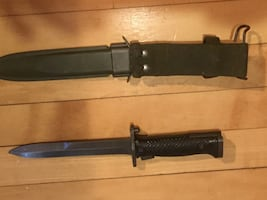 M16 bayonet with m8 scabbard
