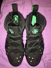 black-and-green Nike basketball shoes Morningside, 20746