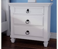 White wooden 3-drawer nightstand San Francisco, 94109