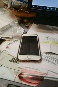 silver iPhone 6 with box Alexandria, 22304