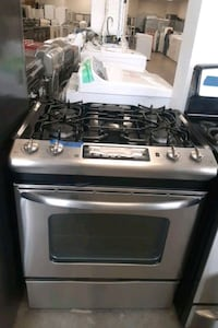 GE gas stove excellent conditions 4months of warranty  Bowie, 20715