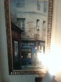 Bouchons store signage painting
