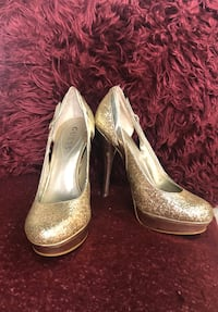 Guess gold high heels Gaithersburg, 20879