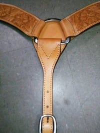 Cowhide Leather Horse Draw Harness Breast Plate Brand New!  Made in Mexico. Beautifully designed breast plate and well made.  Chrome D-Rings and cowhide leather.  Engraved and professionally stitched leather.    VIEW MY OTHER ADS!!! Vaughan