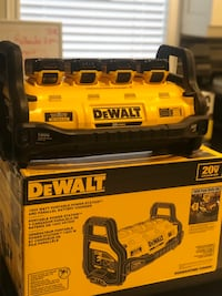 DeWalt charger and battery's Toronto, M6E 1Y5