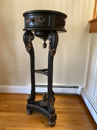 Antique side table/flower stand East Islip, 11730