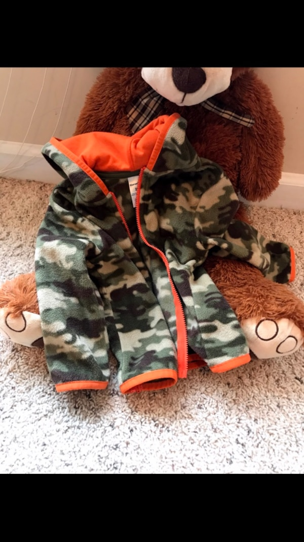 3144d0e1f021a Used brown and black camouflage jacket for sale in Hampton - letgo