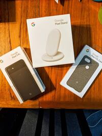 New Google Pixel 3 XL 64GB with wireless charger and case 537 km