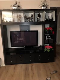 svart tre-tv hutch