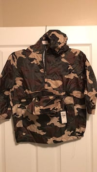 Brand New Youth Camo Jacket/Poncho - size small (5/6) Georgetown, 40324