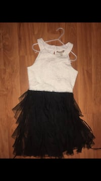 Girls formal dress size 10 Pomona, 91767