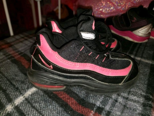 newest 4a6bf 7bf77 Nike air max toddler girls black cats size 9c