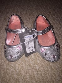 Little girl cat dress shoes Mississauga, L5L
