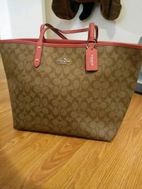 monogrammed brown Coach leather tote bag Burnaby, V5A 2W4