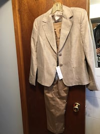Ladies pant suit - $60