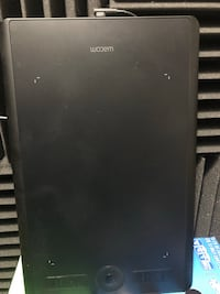 Wacom Intuos Pro drawing tablet Allenstown, 03275