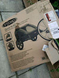 black and gray car seat carrier Toronto, M6H 2A3