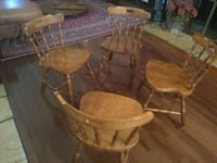 4 solid wood dining chairs and table 44 km