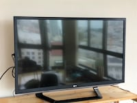 LG 42 inch TV with 3D Glasses San Francisco, 94109