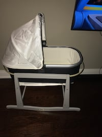 2018 UppaBaby bassinet with JollyJumper Bassinet holder