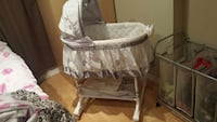 baby's white and gray bassinet Kitchener, N2M 3Z5
