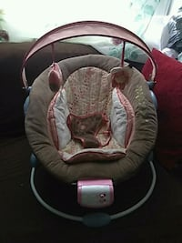 baby's white and gray bouncer Stockton, 95204